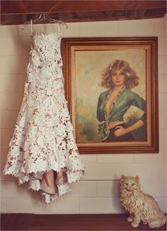 >>> I want this dress. It looks like it's made out of paper.