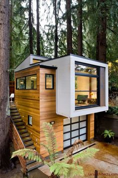 Best 7 Extraordinary Tiny House Design Ideas To Inspire You The design of a functional small house is a matter of personalization and designing it becomes more aesthetically pleasing without reducing function. Container House Design, Tiny House Design, Modern House Design, Container Homes, Modern Tree House, Casas Containers, House Extensions, Tiny House Plans, Exterior Design