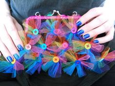 Button embellished crochet bag by Babukatorium on Craftster