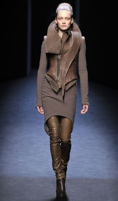 Haider Ackermann structured futurism, Fall 2010 - Fashionising.com