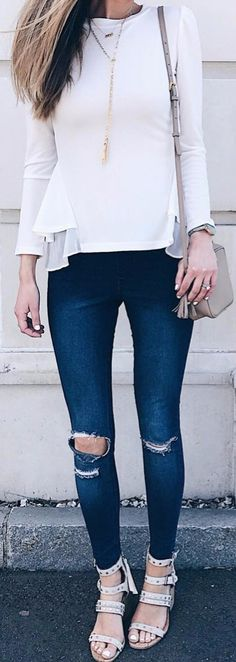 Find and save ideas about topics/street style/ on Women Outfits. Street Style 2018, Street Style Trends, Spring Street Style, Street Look, Street Style Looks, Street Chic, Street Fashion, Cool Outfits, Fashion Outfits