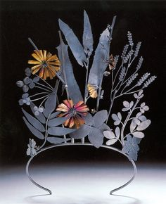 Invasive Species Tiara in oxidized Sterling silver & eighteen carat gold by Jan Yager. Victoria and Albert Museum. Jewelry Art, Jewelry Design, Jewellery, Pelo Vintage, Gold Tiara, Circlet, The Design Files, Vanitas, Victoria And Albert Museum