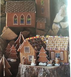 I might just draw some shingles on my gingerbread house this year. Even the trees are simple and cute.