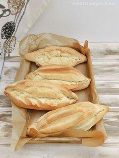 Sevillian Buns, a special bread Best Bread Recipe, Bread Recipes, Snack Recipes, Savoury Baking, Bread Baking, Charcuterie, Spanish Bread, Pan Relleno, Pan Bread