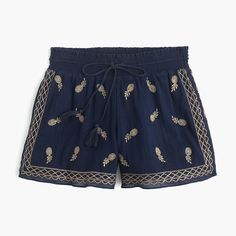 Embroidery Short in Cotton - Our short pick for the hottest of days, thanks to breathable gauzy cotton and an easy drawstring waist. Plus, pretty pineapple embroidery!
