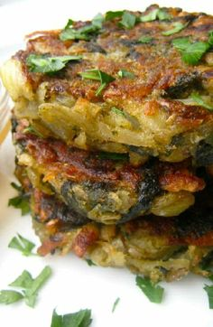 Low FODMAP and Gluten Free Recipe - Spinach and potato cakes (update) - http://www.ibssano.com/low_fodmap_spinach_potato_cakes.html