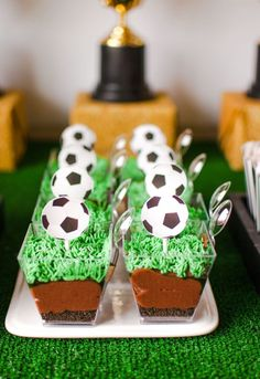 world cup soccer party by oriental trading + modern moments Soccer Birthday Parties, Football Birthday, Sports Birthday, Sports Party, Birthday Party Themes, Barcelona Soccer Party, Sport Cakes, Dog Treat Recipes, Oreo