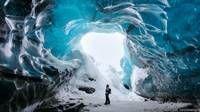 La entrada de Shane Wheel fue tomada en una cueva de hielo en el glaciar Vatnajokull en Islandia.