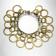 Before knowing of his work, I already experienced with wire and circles as I like organically shaped jewellery. Just a huge wow of admiration!   Necklace |  Alexander Calder.  Brass, ca 1940