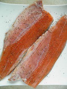 sio-smutki! Monika od kuchni: Pstrąg tęczowy w marynacie ziołowej pieczony na cebuli Fish, Meat, Pisces