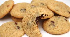 Amerikai csokis keksz recept | APRÓSÉF.HU - receptek képekkel Biscotti, Cookie Recipes, Meal Prep, Muffin, Chips, Sweets, Cupcake, Snacks, Meals