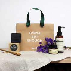 Simple but enough cleansing routine. Take the best seller, Gentle Black Deep Cleansing Kit within the pretty cute paper bag. (Until 26th of July, CDT) Check the SPECIAL > Sol-Kit section at Wishtrend.com✨ wishtrend#wishtrend #klairs #freegift #specialoffer #limiteddeal #solkit #gentleblackdeepcleansingkit #porecare #pores #blacksugar #charcoal #charcoalsoap #blacksugarscrub #cleansingoil #cosmetics #beauty #beautysecret