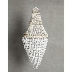 Vacker snäckdekoration som kan användas som lampskärm eller enbart som dekoration.Mått: Diameter 30 cm Höjd 60 cmLampsladd ingår