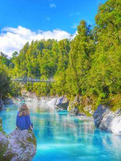 Hokitika gorge 2 week New Zealand road trip itinerary  thesweetwanderlust.com