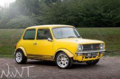 Mini Cooper Classic, Classic Mini, Mini Lifestyle, Austin Cars, Fancy Cars, Nice Cars, Mini Clubman, Mini Coopers, John Cooper Works
