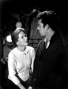 The Haunting Julie Harris Russ Tamblyn Photo 1963 Classic Horror Classic Sci Fi, Classic Horror Movies, Haunted House Film, Russ Tamblyn, Robert Wise, Shirley Jackson, Donna Reed, Horror House, Great Films