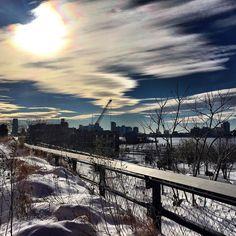 Sunset off the highline  #sunset #highline #soho #chelse #meatpacking #view #blizzard2016  #snow #snowmageddon #jonas #stormjonas #blizzard #manhattan #nyc #newyork #nofilter by kelseylouise58