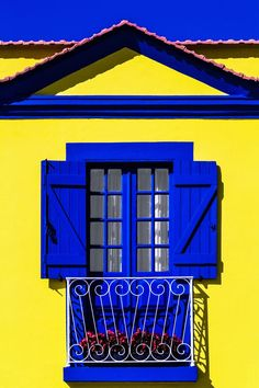 Blue & Yellow of Aveiro, Portugal Old Doors, Windows And Doors, Blue Rooms, House Painting, Stairways, Architecture, House Colors, Shades Of Blue, Blue Yellow