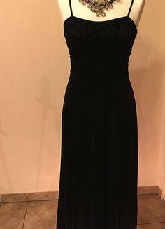 Kup mój przedmiot na #vintedpl http://www.vinted.pl/damska-odziez/sukienki-wieczorowe/15644074-czarna-sukienka