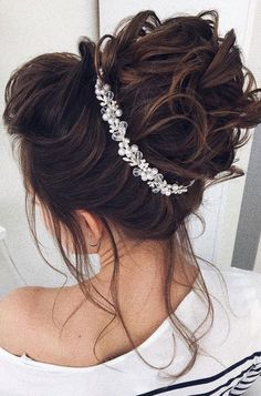 Wedding Hair Down 99 Chic Wedding Hair Updos for Elegant Brides - 99 Chic Wedding Hair Updos for Elegant Brides Wedding Hair Down, Wedding Hair And Makeup, Wedding Updo, Bridal Hair, Chic Wedding, Wedding Beauty, Wedding Vows, Wedding Venues, Unique Wedding Hairstyles