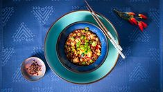 Rezept für Mapo Tofu - DER SPIEGEL Gordon Ramsay, Tofu, Pak Choi, Yummy Veggie, Ratatouille, Veggies, Ethnic Recipes, Chinese Cake, Chinese Cabbage