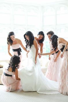 Getting Ready -- Bridesmaids -- http://www.StyleMePretty.com/tri-state-weddings/2014/04/15/glamorous-pink-black-wedding/ L&L Style Photography - llstylephoto.com