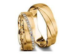 Check out this Furrer Jacot Men's Band in Yellow Gold with Diamond Accents!!