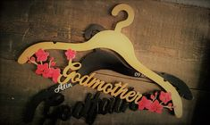 Wedding Hangers - Godmother , Godfather  Umerase nasi - Umerase personalizate Wedding Hangers, Personalized Wedding, Clothes Hanger, Wedding Decorations, Wedding Photography, Woodworking, Bridesmaid, Flowers, Gifts