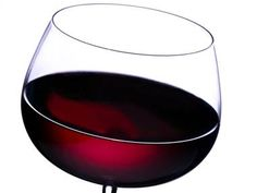 8 Ways Red Wine Keeps You Healthy