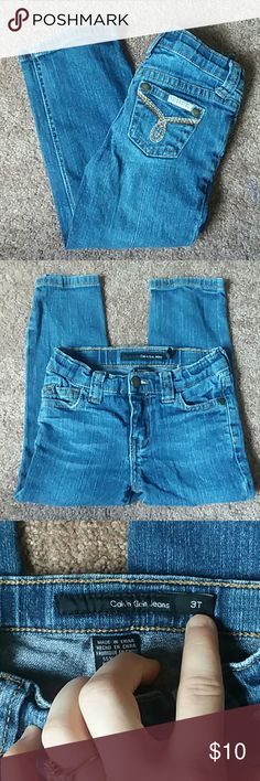 SALE!! Girls Calvin Klein Skinny Jeans Girls size 3T calvin klein skinny jeans. Stretchy. Perfect staple for any season. Smoke and pet free home Calvin Klein Bottoms Jeans