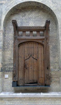 medieval doors   File:Medieval Oak Door.jpg - Wikimedia Commons