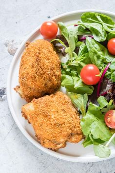 This Air Fryer Chicken Thighs recipe is healthy, hearty and full of flavour. Plus it's super versatile! Looking for a new spin on the usual weeknight keto chicken thighs? Low Carb, Gluten-free and SO easy to make! Air Fryer Recipes Chicken Thighs, Keto Chicken Thighs, Chicken Thigh Recipes, Healthy Chicken Recipes, Paleo Recipes, Low Carb Recipes, Paleo Menu, Ninja Recipes, Diet Menu