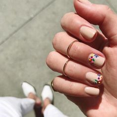 20 floral nail art designs that are perfect for short nails Cute Nail Art Designs, Nail Designs Spring, Acrylic Nail Designs, Spring Design, Manicures, Gel Nails, Acrylic Nails, Nail Polish, Spring Nail Art