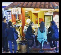Disfruta y comparte momentos especiales con la mejor compañía. Somos tu lugar de encuentro. Deléitate con el mejor café   y nuestros deliciosos #PostresAroma Conócenos en el C.C. Metrocenter pasaje colonial. #AromaDiCaffé #MomentosAroma #SaboresAroma #ExperienciaAroma #Coffee #CoffeeTime #CoffeeBreak #CofeeLovers