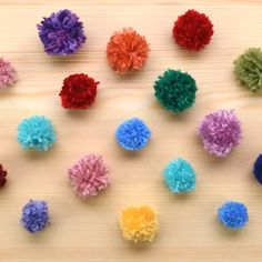How to make pom-poms in under a minute! Pom Pom Crafts, Yarn Crafts, Paper Crafts, Craft Stick Crafts, Diy And Crafts, Arts And Crafts, How To Make A Pom Pom, Crochet Patterns For Beginners, Easter Crafts For Kids