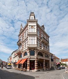 Maria's Corner - Bergen op Zoom by Ferdi's - World, via Flickr. In the white houses on the back (right), my mother was born!