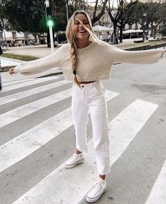 32 Weekend Outfit Ideas – What to wear on a weekend - Outfit Styles Mode Outfits, Casual Outfits, Fashion Outfits, Womens Fashion, Petite Fashion, Fashion Ideas, Today's Fashion Trends, Casual Weekend Outfit, Tomboy Outfits