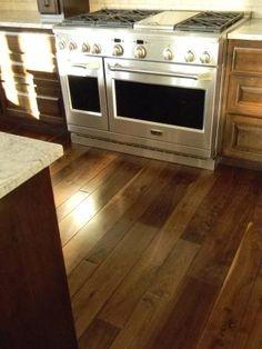 Wide Plank French Bleed Walnut Flooring [Balsam Wide Plank]