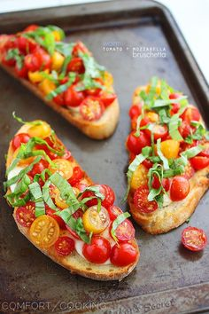 Warm Tomato & Mozzarella Bruschetta – My favorite EVER bruschetta. So gooey and delicious! The perfect party appetizer or easy vegetarian meal. | thecomfortofcooking.com