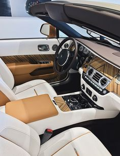 wood grain Rolls Royce interior