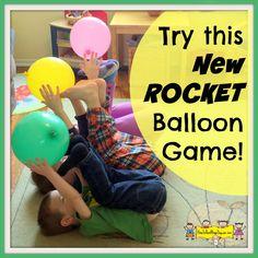 Utilizando los pies El Niño debe lanzar el globo lo más alto que pueda como si este fuera un cohete espacial