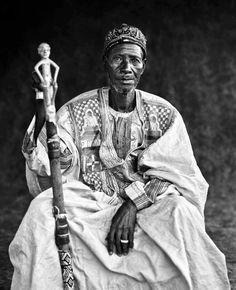 Portrait of a king of in Burkina Faso, by Jean-Dominique Burton.