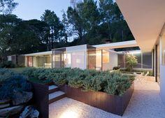 lorcan o'herlihy architects / renovation of raphael soriano's julius shulman house, laurel canyon