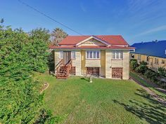 "Just Listed! 89 Gallipoli Road Carina Heights Offers over $700,000 A ""Big"" Piece of Carina History for Sale!. Gorgeous Qlder Home on 1012m2 Block - Originally moved onto the site in 1957 and it once sat on the very original site that WJ Tobin was founded on in Old Cleveland Road back in 1949. A little piece of trivia but a whole lot of house and it's just beautiful. Come and visit me at the very first Open House this Wednesday at 5.15pm."