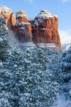 ✯ Snow Covered Coffee Pot Rock - Sedona, AZ