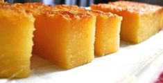 Check out How to Bake Tapioca Cake (Kuih Bingka Ubi) by Huang Kitchen on Snapguide. A Signature Malay Nyonya Kuih: Baked Tapioca Cake or Kuih Bingka This traditional Malay/… Custard Desserts, Asian Desserts, Pinoy Dessert, Filipino Desserts, Filipino Food, Cake Recipes, Snack Recipes, Dessert Recipes, Desert Recipes