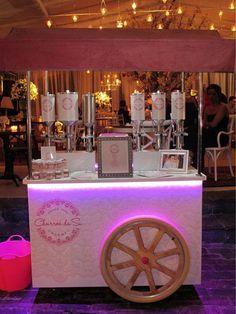 Os Food Trucks e cia para eventos estão ganhando o mercado e admiradores da ideia de ter em seu evento um carrinho ou caminhão de guloseimas em sua festa!