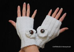 here's how i made my sweater wrist warmers! they're pretty simple. have you noticed i've really been into up-cycling clothes lately?! haha probably because i've been cleaning out all my closets….and almost got all my Spring Cleaning done. ahhh, such a good feeling! i have a weird obsession with cleaning out closets. i really enjoy …