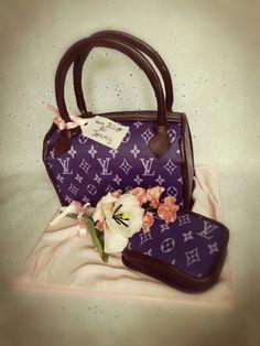 LV Handtasche mit Geldbörse und Tulpendeko