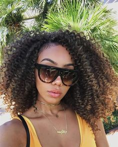 Crochet braid styles 333407178660553938 - Crochet braids have become a huge trend in the past few years. Take a look at these 70 inspiring and super trendy crochet braids hairstyles! Curly Crochet Styles, Curly Crochet Braids, Crochet Braids Hairstyles, Braided Hairstyles, Curly Hair Styles, Natural Hair Styles, Freetress Crochet Braids, Types Of Crochet Hair, Chrochet Braids